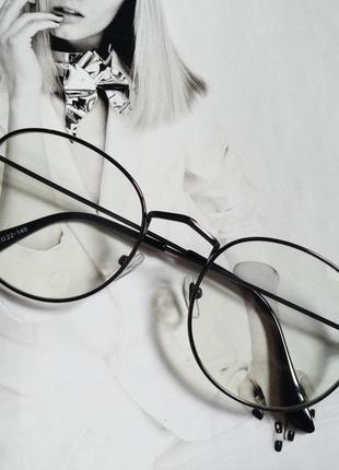 Ретро имиджевые очки с прозрачной линзой