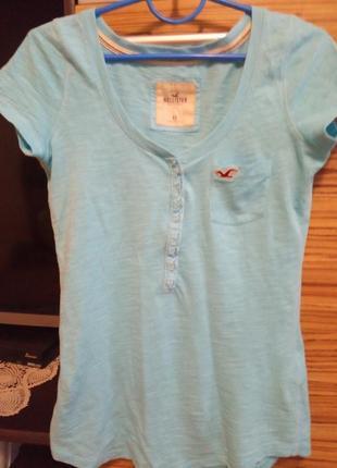 Голубая футболка женская