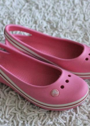 Женские балетки босоножки сандалии кроксы crocs оригинал размер j4 на 35-36