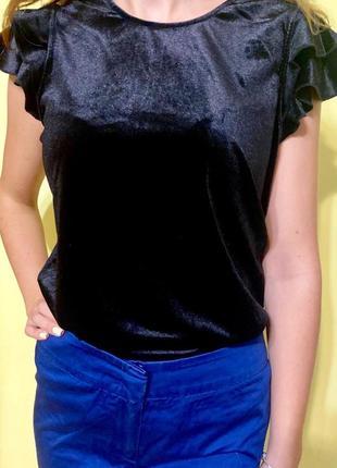 Велюрова блуза! шикарна якість, з гарними рукавчиками-воланами.на спинкі потайний замочок.