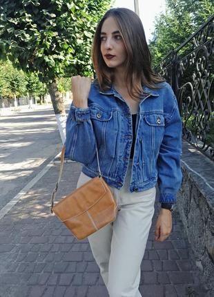 Джинсовая куртка. джинсовка. джинсуха. джинсова куртка. котоновая куртка