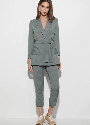 Шикарный стильный костюм пиджак плюс брюки из приятной костюмной ткани в мелкую полоску