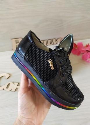 Стильные туфли кеды