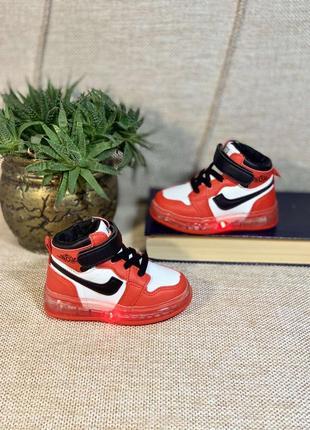 Ботинки кроссовки
