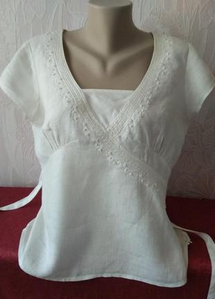 Летняя блуза из льна с вышивкой и пайетками.
