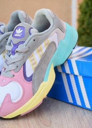 Кроссовки женские adidas yung