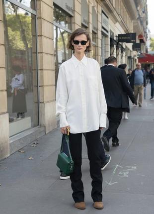 Классическая белая рубашка оверсайз