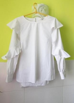 Белая рубашка  блуза  блузка оборками от river island