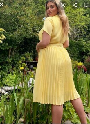 Миди платье с юбкой плиссе от fashion union