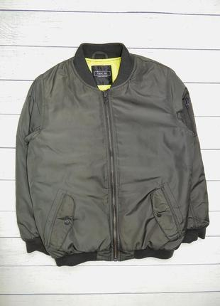 Стильная куртка-ветровка-бомбер от next, для девочки 8-9 лет. 134 рост.