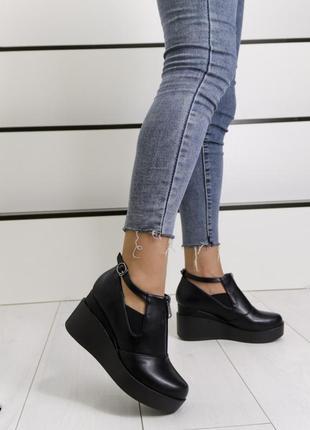 Новые шикарные женские чёрные туфли на платформе