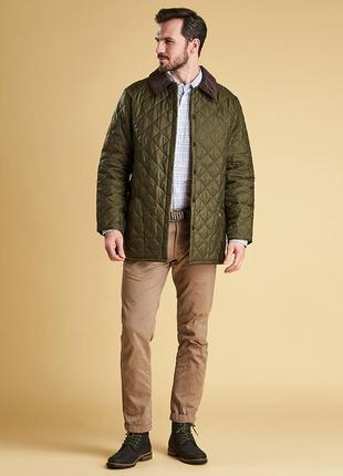 Стильная мужская куртка от barbour горчичного цвета