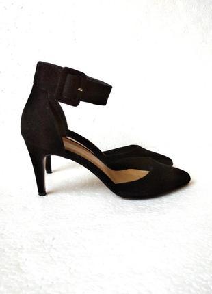 Красивые туфли-босоножки forever 21