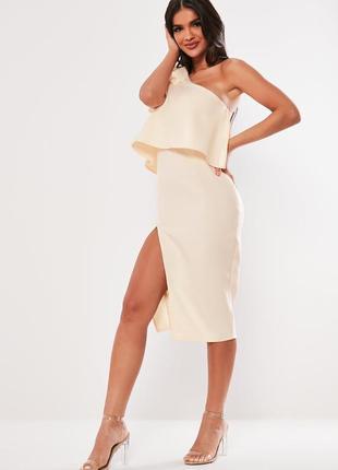 Нежно-персиковое миди платье