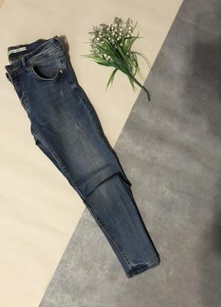 Базовые джинсы скинни bershka