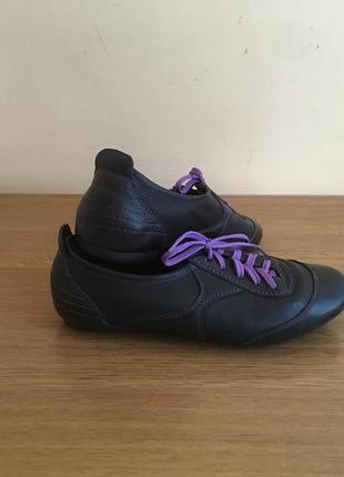 Кожаные кроссовки casual. бренд luciano carvari
