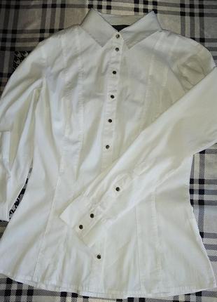 Базовая белая рубашка s love repablik в идеальном состоянии