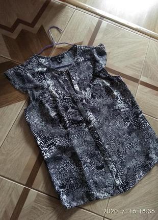 Легка блуза, футболка в принт atmosphere