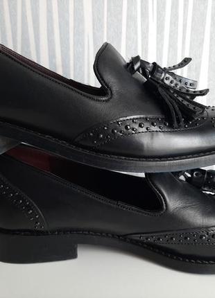 Гламурные стильные туфли лоферы кисточки