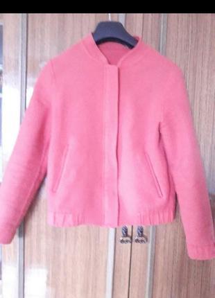 Шикарна фірмова курточка із вовни