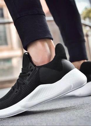 Черные мужские кроссовки повседневные легкие качество- топ!