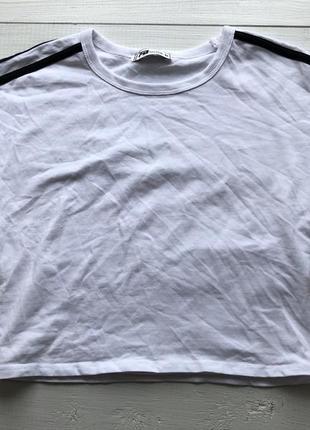 Укорочённая футболка