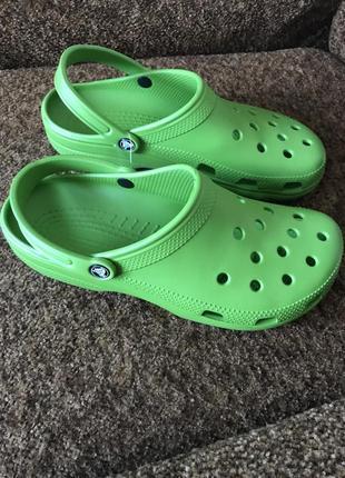 Шлёпанцы  crocs
