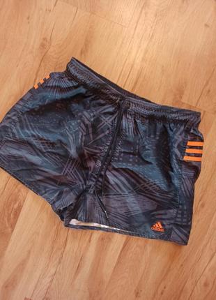 Топовые шорты от adidas