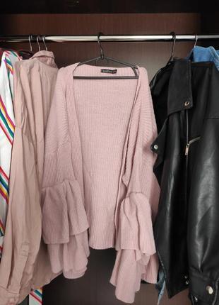 Красивый кардиган нежного розового цвета с оригинальными рукавами