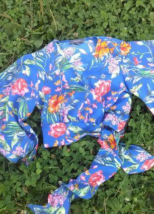 Шикарна блуза на запах
