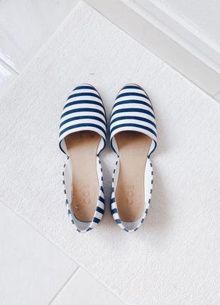 Белые тканевые мокасины босоножки сандалии в синюю полоску эспадрильи cos
