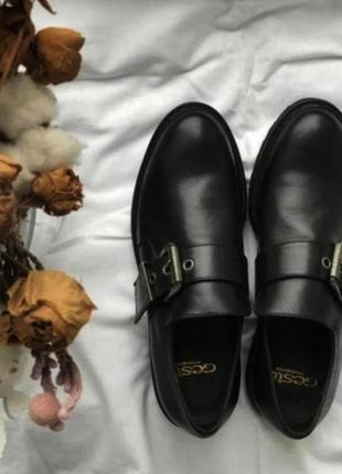 Торг уместен! новые трендовые кожаные итальянские туфли!