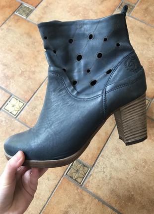 Кожаные ботинки на осень