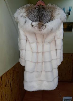 Норковая шуба.королевская.очень красивая норковая шуба с капюшоном из меха рыси.42-46