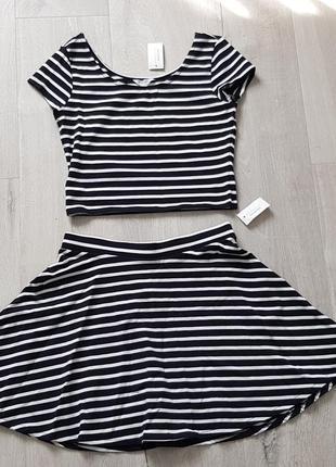 Костюм юбка и укороченный топ. размер s.