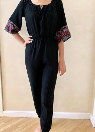 Комбинезон вышиванка брючный черный с брюками на резинке с кружевом abercrombie&fitch