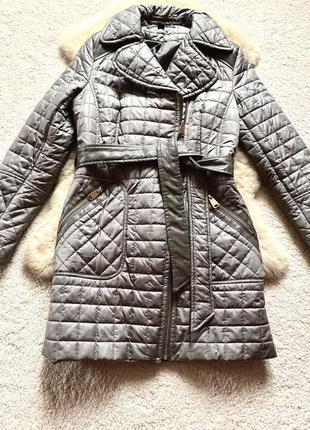 Шикарного фасона утеплённая  демисезонная  куртка via spiga