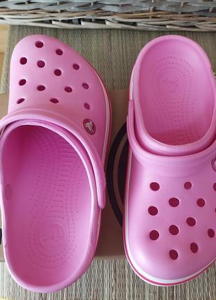 Крокс сабо розовые с белой полосой crocs crocband™ clog pearl / pink