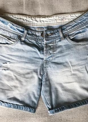 Очень крутые шорты pull&bear