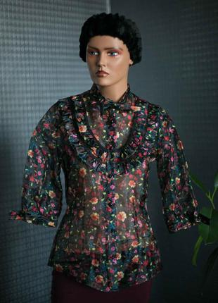 Фирменная,эфектная блузка,ткань похожа на органзу, р. s-m