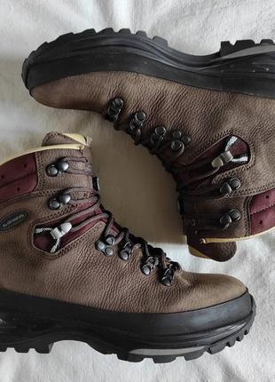 Треккинговые ботинки lowa baltoro берцы eu 40