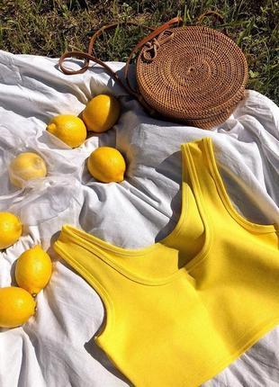 Топ жёлтый (плотный трикотаж, новый)