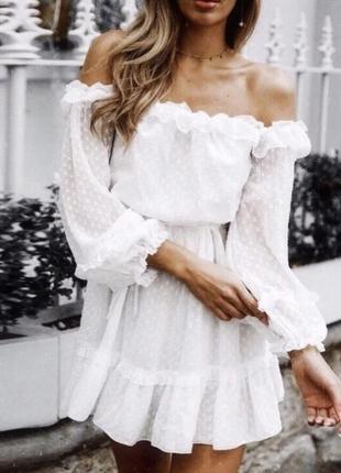 Белоснежное платье d&g (на первом фото похожее)