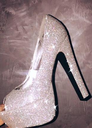 Туфли с блеском красивые вечерние new look