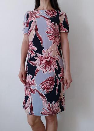 Платье прямого кроя. xs-s