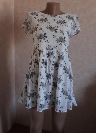 Легкое воздушное платье , белое в цветочный принт xs