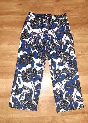 Модные брюки с ярким  принтом на высокий рост