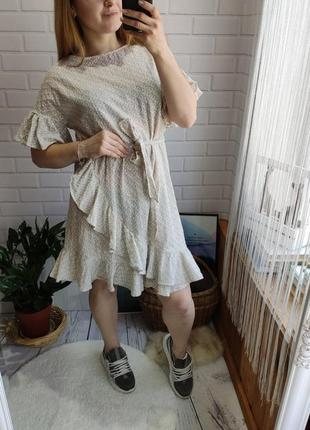 Шикарное платье с воланами hm
