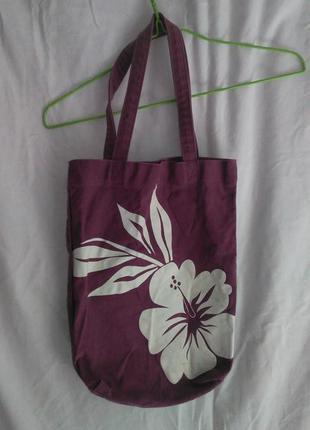 Хорошая фирменная сумка с рисунком