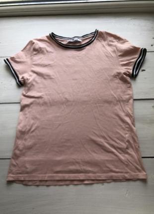 Нежно розовая футболка